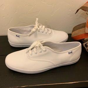 Women's white leather keds size 9.5